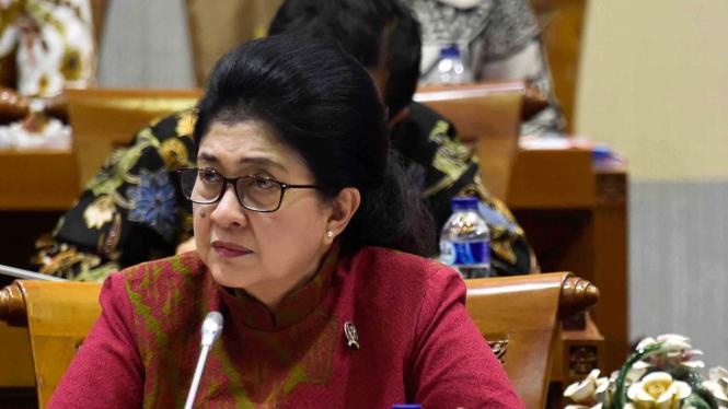 Menteri Kesehatan, Nila Moeloek.
