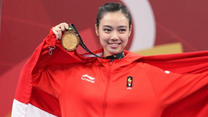 Medali Emas Indonesia dari Wushu oleh Lindswell Kwok