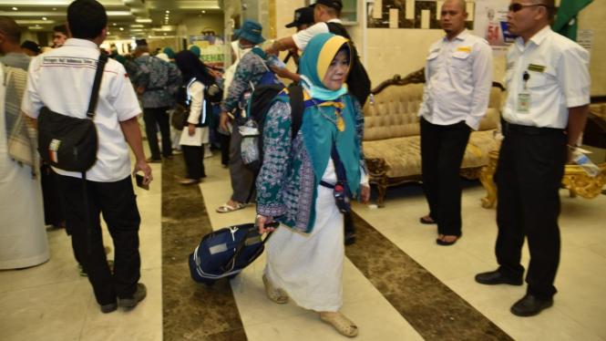 Jemaah haji 12 kloter pertama pulang ke Indonesia