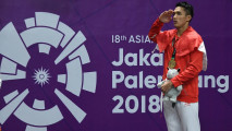 https://thumb.viva.co.id/media/frontend/thumbs3/2018/08/28/5b84f9b8b5ce9-jonathan-christie-raih-emas-di-tunggal-putra-badminton-asian-games_213_120.jpg
