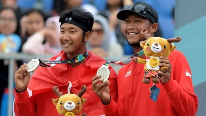 Pasangan voli pantai putra Indonesia, Mohammad Ashfiya dan Ade Candra Darmawan