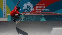 https://thumb.viva.co.id/media/frontend/thumbs3/2018/08/29/5b869663a8302-sanggoe-darma-tanjung-raih-perak-skateboard_213_120.jpg