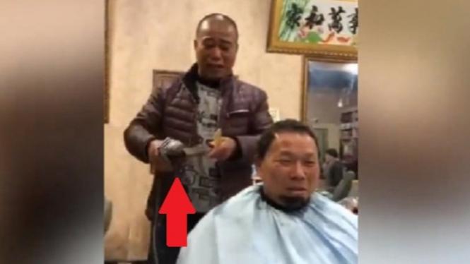 Tukang cukur ekstrem.