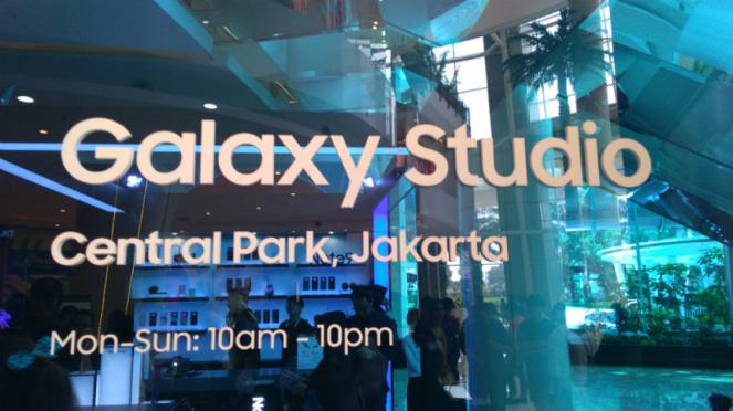Galaxy Studio, Central Park.