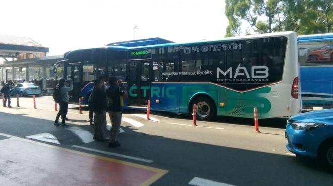 Bus listrik MAB Bandara Soekarno-Hatta.