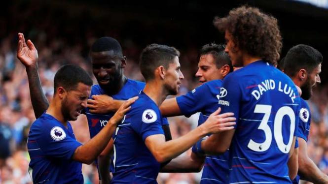 Para pemain Chelsea merayakan kemenangan
