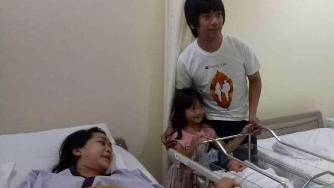 Rian D'Masiv dan keluarga