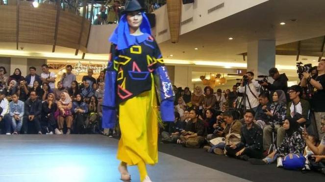 23 Fashion District 2018