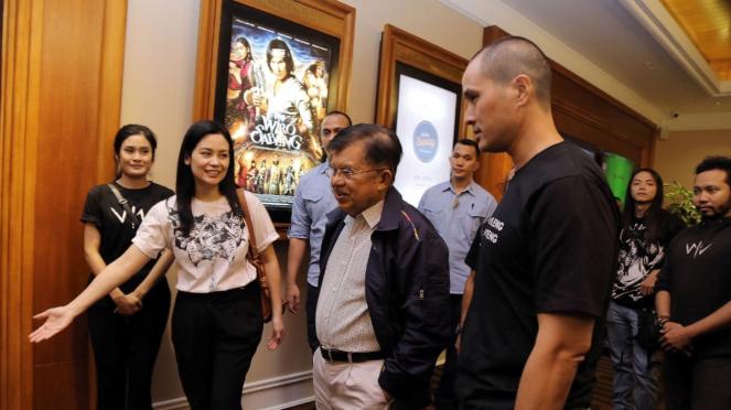 Wapres Jusuf Kalla menonton film Wiro Sableng