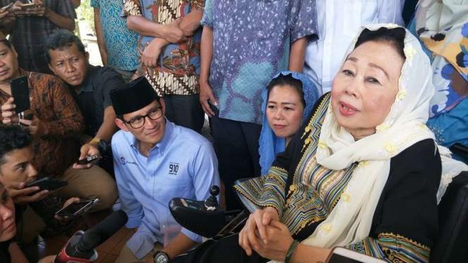 Bakal cawapres Sandiaga Uno bersilaturahmi ke kediaman keluarga Gus Dur.