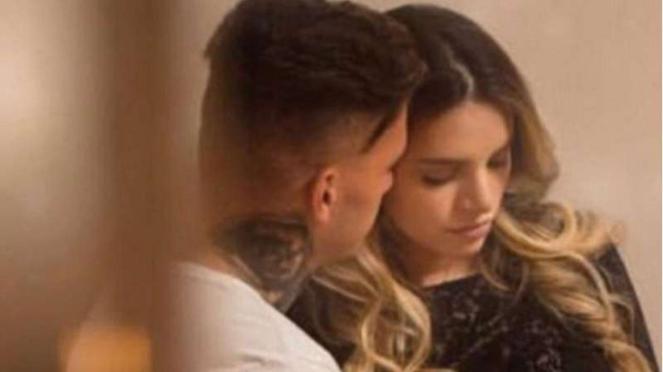 Kiper Manchester City, Ederson Moraes, bersama istrinya, Lais.