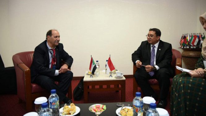 Wakil Ketua DPR RI Fadli Zon bersama delegasi  Palestina