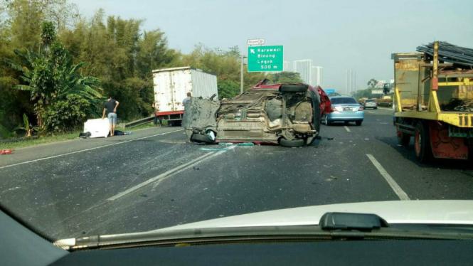 Kecelakaan di tol Jakarta-Tangerang