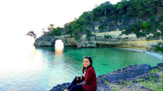 Suasana Panta Batu Kerapu, Kepulauan Selayar