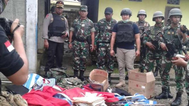 TNI dan Polri geledah Sekretariat KNPB Timika.