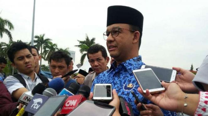 Gubernur DKI Jakarta Anies Baswedan di lapangan silang Monas, Jakarta