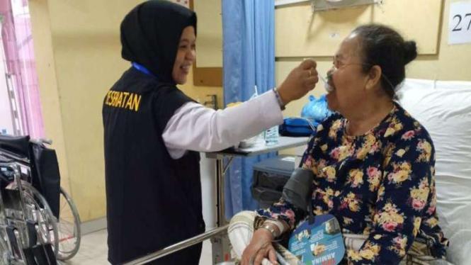 Jemaah haji Indonesia sakit dilayani petugas kesehatan