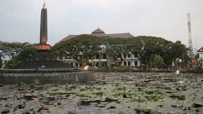 Ilustrasi Gedung DPRD Kota Malang dan Balai Kota Malang.