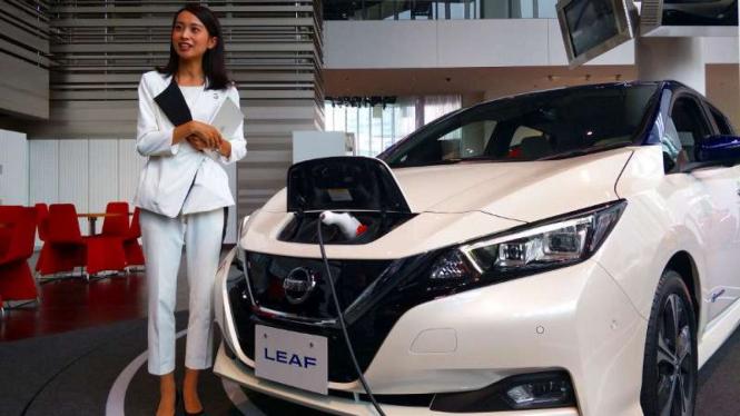 Mobil listrik Nissan LEAF