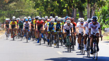 https://thumb.viva.co.id/media/frontend/thumbs3/2018/09/26/5babbaa12d0ca-balap-sepeda-international-tour-de-banyuwangi-ijen-itdbi_213_120.jpg