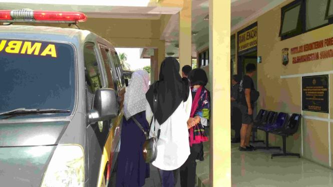 Suasana di RS Bhayangkara, tempat korban kecelakaan mobil Kapolres Tulungagung