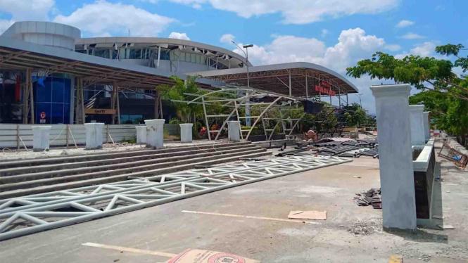 Kondisi Bandara Mutiara Sis Al Jufri yang rusak akibat gempa di Palu, Sulawesi Tengah, Sabtu, 29 September 2018.