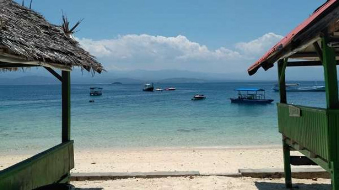 Pantai Tanjung Karang Donggala