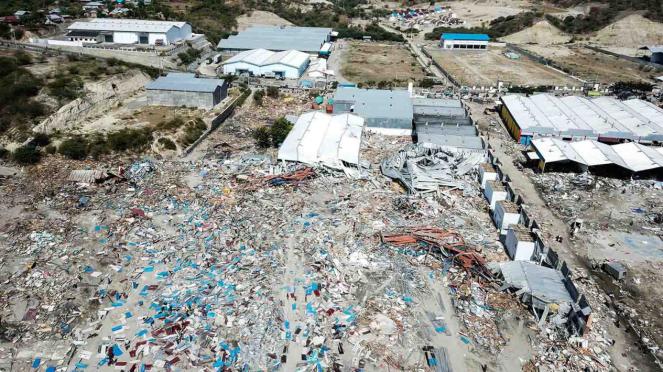 Foto aerial kawasan pantai Taipa, Palu Utara, pascagempa dan tsunami,  Senin, 1 Oktober 2018.
