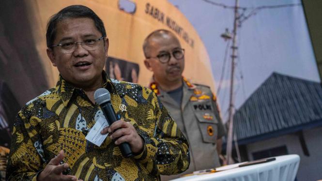 Menteri Komunikasi dan Informatika, Rudiantara (kiri).