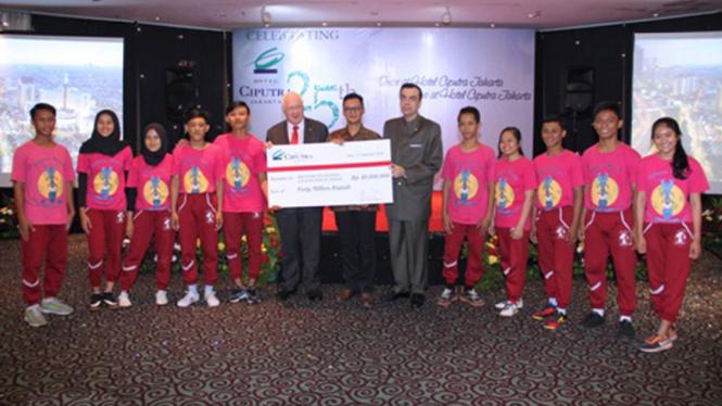 Rayakan HUT ke – 25, Hotel Ciputra Jakarta Bantu Anak-anak Yayasan Hidung Merah