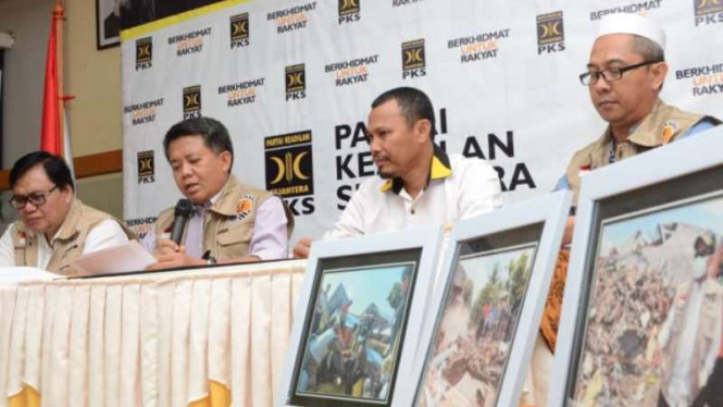 Presiden PKS Sohibul Iman memberikan keterangan pers terkait gempa Sulteng