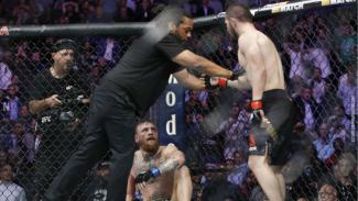 Duel Khabib Nurmagomedov versus Conor McGregor beberapa waktu silam.