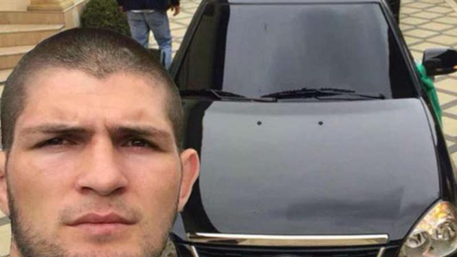 Khabib Nurmagomedov dan mobil pertamanya, Lada Priora