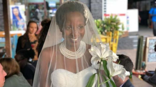 Lulu Jemimah, menikahi dirinya sendiri