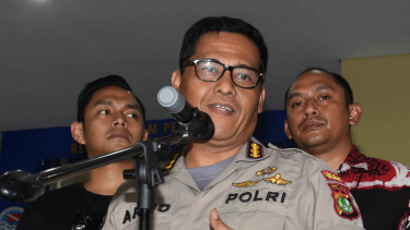 Kabid Humas Polda Metro Jaya Kombes Pol Argo Yuwono (tengah).