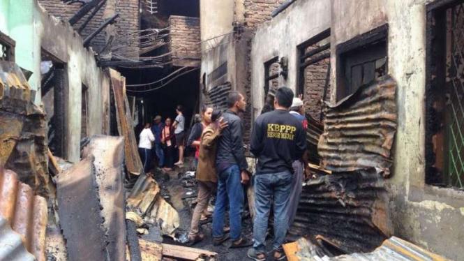 Kebakaran di Jalan Mangkubumi di Medan.
