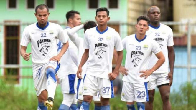 Sesi latihan tim Persib Bandung.