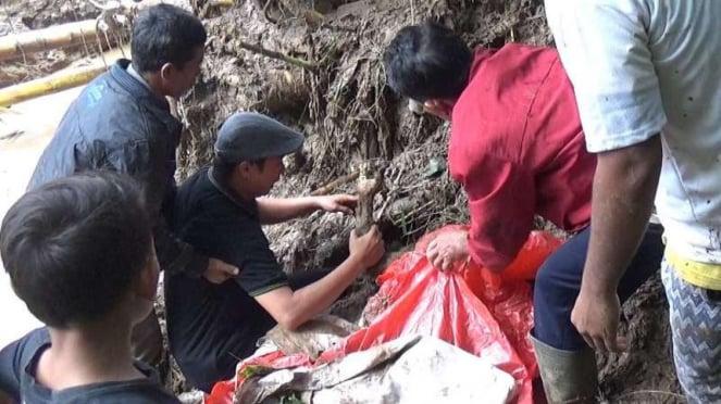 Korban banjir bandang di Jorong Tanah Batu Piyubuah Kabupaten Tanah Datar.