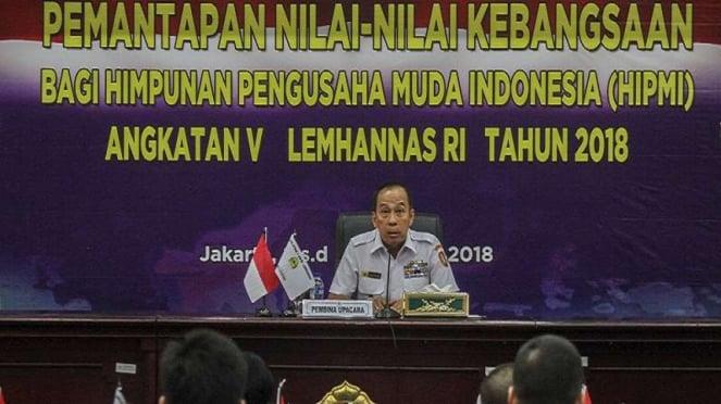 Gubernur Lemhanas Letjen TNI (Purn) Agus Widjojo memberikan arahan