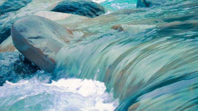 Ilustrasi air sungai.