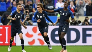 Para pemain Timnas Prancis merayakan gol ke gawang Jerman