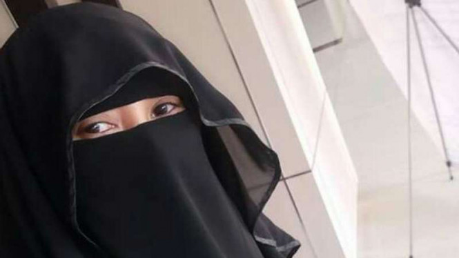Baiq Riny Ariyani, wanita bercadar yang maju jadi caleg di Kota Mataram.