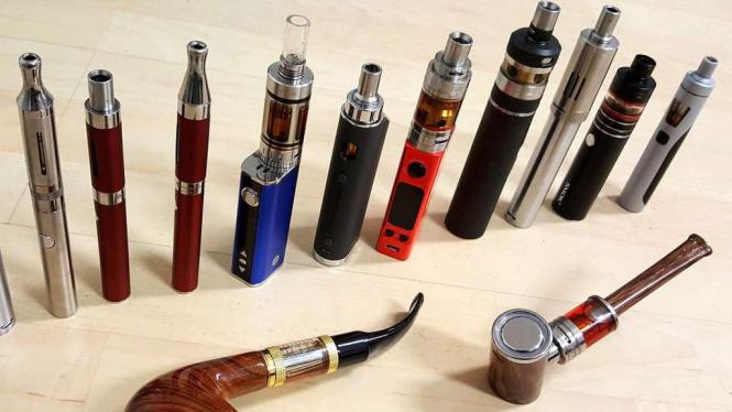 Macam-macam bentuk rokok elektrik atau vape.