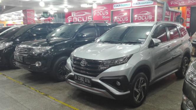 All New Toyota Rush di diler mobil bekas