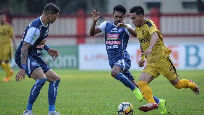 Pertandingan Liga 1 antara Bhayangkara FC kontra Arema FC