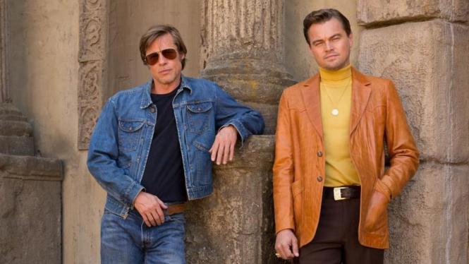 Brad Pitt dan Leonardo DiCaprio di film Once Upon a Time in Hollywood