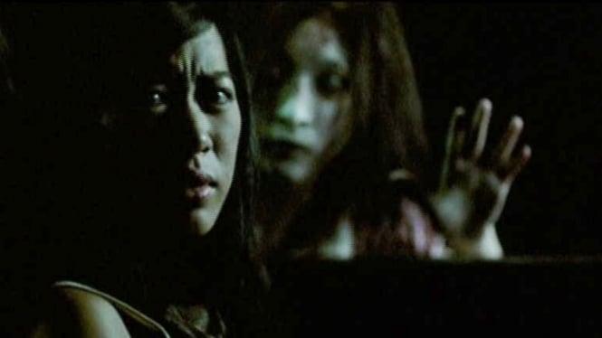 Adegan dalam film Shutter.