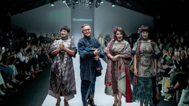 Koleksi Kagirinaku by Deden Siswanto di JFW 2019