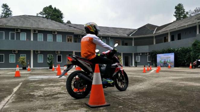 Praktik safety riding
