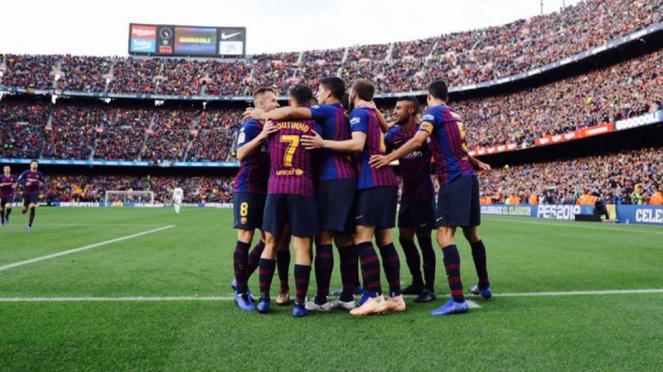 Pemain Barcelona di Camp Nou.